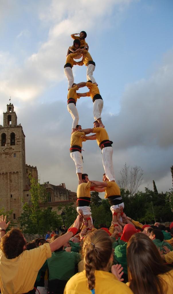 Sant Cugat  (1 ªTorre de set carregada) sota el Perona (21)
