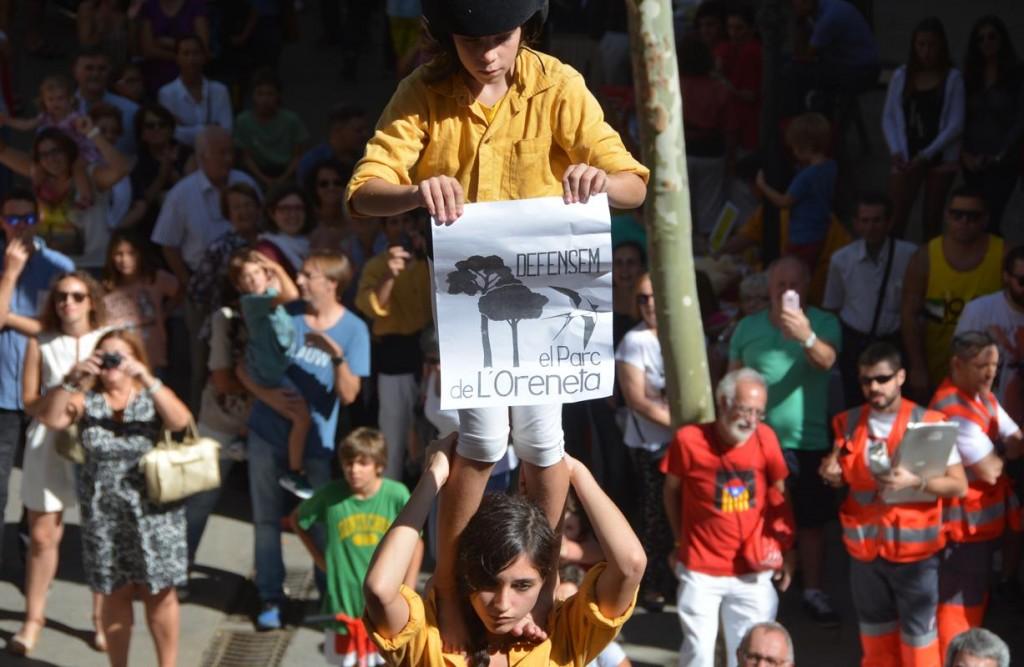 141011 FM de Sarrià amb Castellers de Barcelona  (Pilar de quatre reivindicatiu) (7)